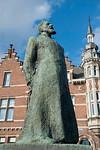 father Jozef Raskin,pater Jozef raskin,p�re Jozef Raskin,statue,beeld,Aarschot,Belgium,Belgi�,Belgique